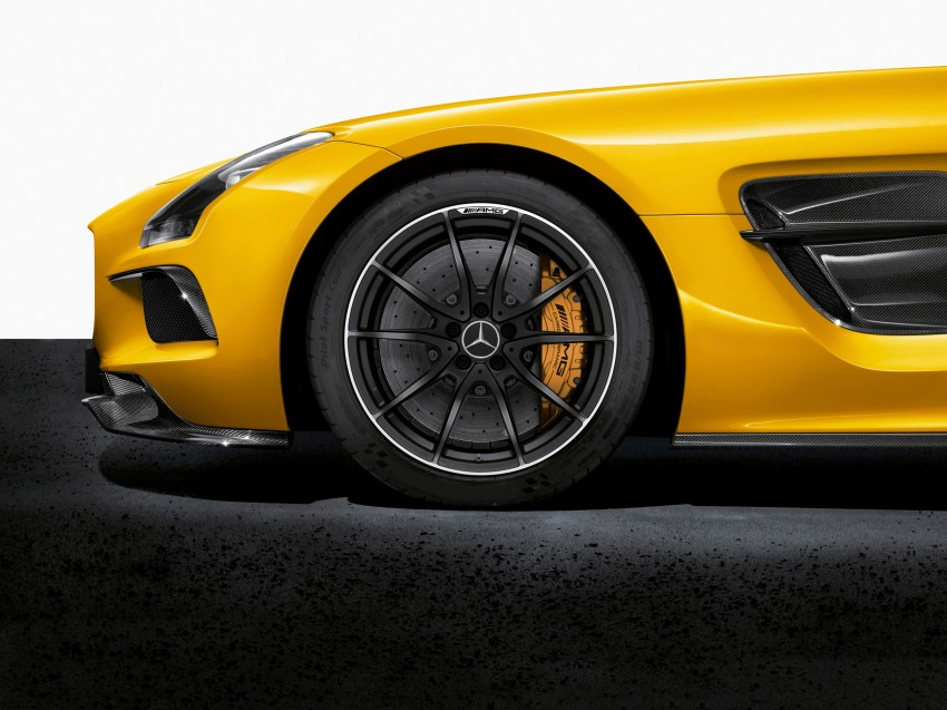 Michelin Pilot Sport Cup 2 tyres to debut on SLS Black Image #161991
