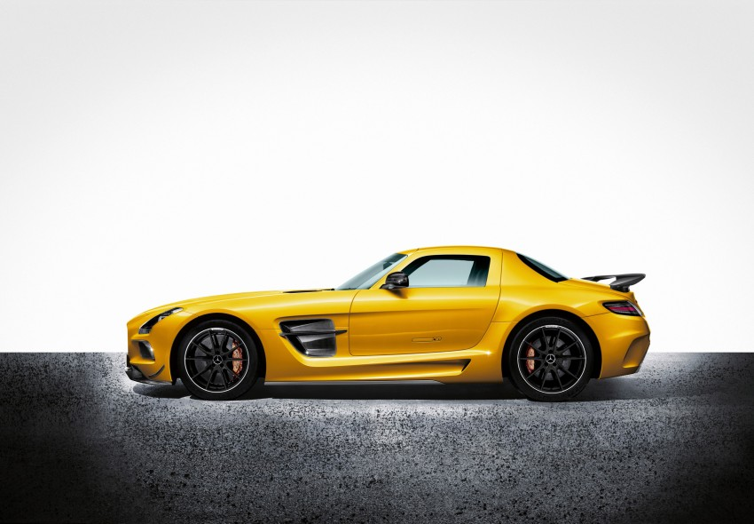 Michelin Pilot Sport Cup 2 tyres to debut on SLS Black Image #161992