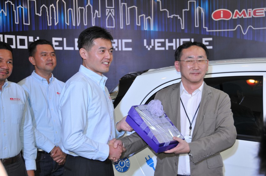 Mitsubishi i-MiEV launched in Malaysia for RM136k – the first all-electric vehicle to be sold in this country Image #162934