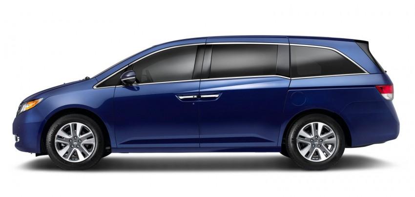 2014 Honda Odyssey Touring Elite minivan debuts new HondaVAC in-car vacuum cleaner Image #164383