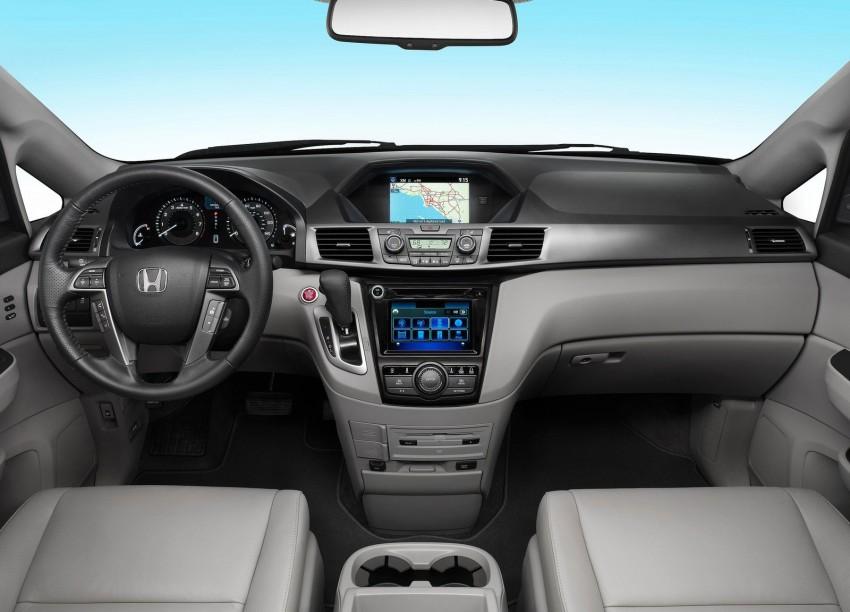 2014 Honda Odyssey Touring Elite minivan debuts new HondaVAC in-car vacuum cleaner Image #164387