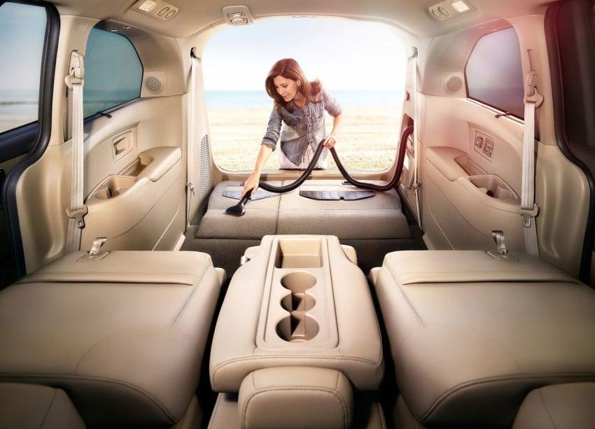 2014 Honda Odyssey Touring Elite minivan debuts new HondaVAC in-car vacuum cleaner Image #164388