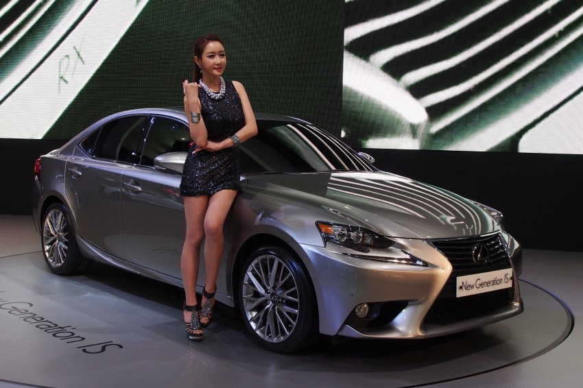 Seoul 2013: Lexus IS 250 live in the metal Image #164925