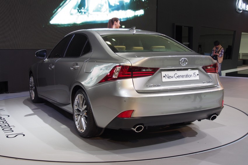 Seoul 2013: Lexus IS 250 live in the metal Image #164920