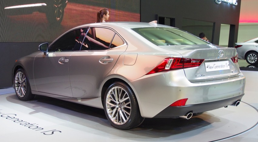 Seoul 2013: Lexus IS 250 live in the metal Image #164919