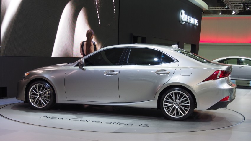 Seoul 2013: Lexus IS 250 live in the metal Image #164918