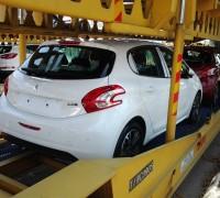 Peugeot-208-Trailer-0003
