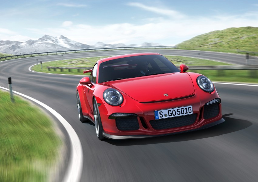 Fifth-generation Porsche 911 GT3 unveiled in Geneva; 475 hp and active rear-wheel steering but PDK only Image #159091