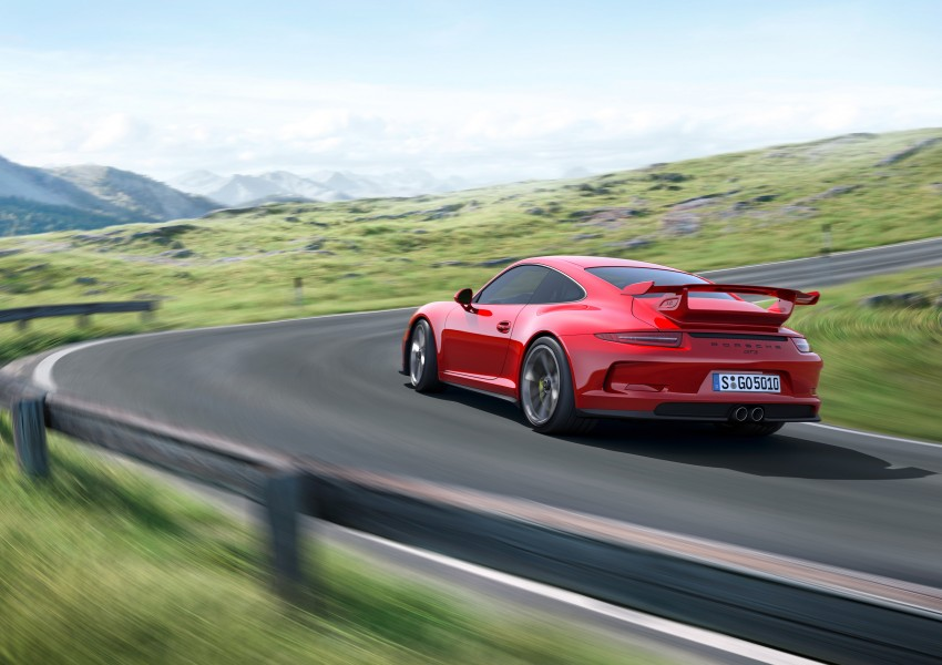 Fifth-generation Porsche 911 GT3 unveiled in Geneva; 475 hp and active rear-wheel steering but PDK only Image #159080
