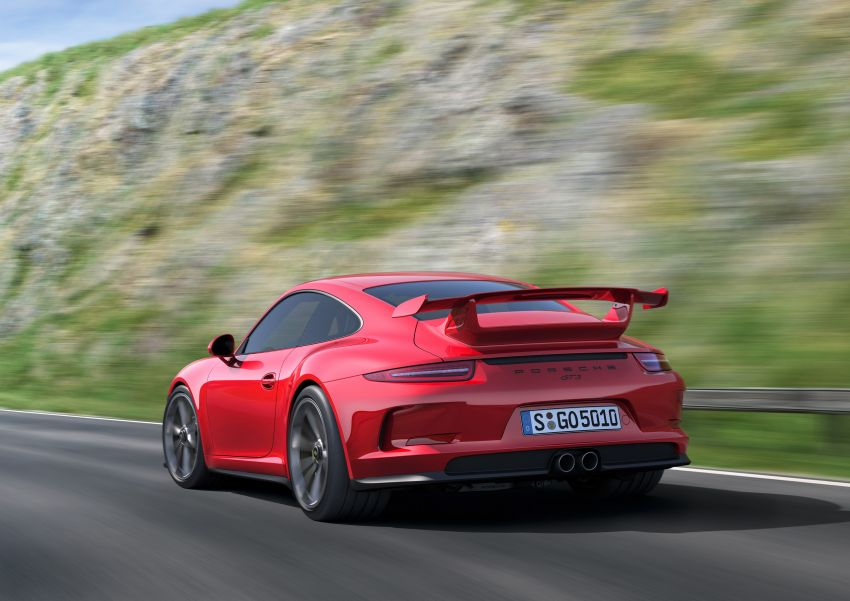 Fifth-generation Porsche 911 GT3 unveiled in Geneva; 475 hp and active rear-wheel steering but PDK only Image #159081
