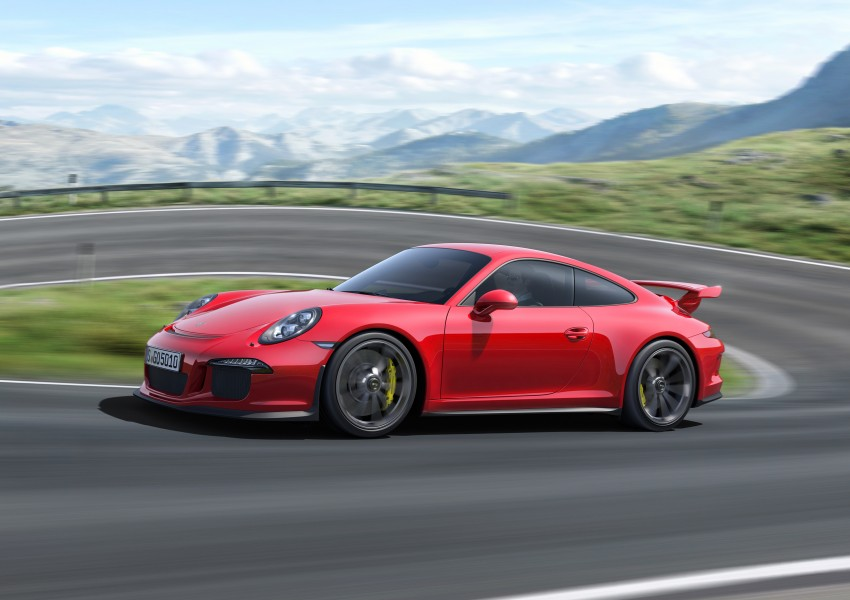 Fifth-generation Porsche 911 GT3 unveiled in Geneva; 475 hp and active rear-wheel steering but PDK only Image #159082