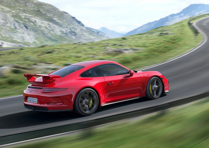 Fifth-generation Porsche 911 GT3 unveiled in Geneva; 475 hp and active rear-wheel steering but PDK only Image #159084