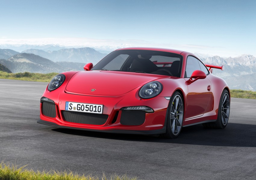 Fifth-generation Porsche 911 GT3 unveiled in Geneva; 475 hp and active rear-wheel steering but PDK only Image #159085