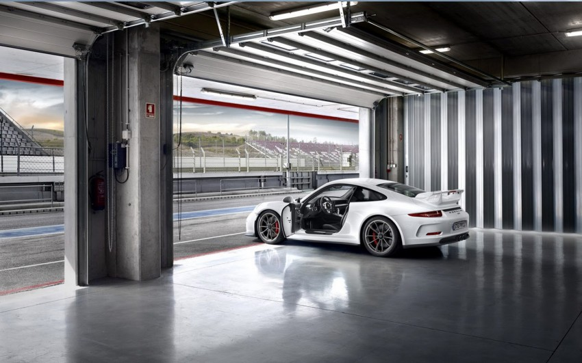 Fifth-generation Porsche 911 GT3 unveiled in Geneva; 475 hp and active rear-wheel steering but PDK only Image #159094