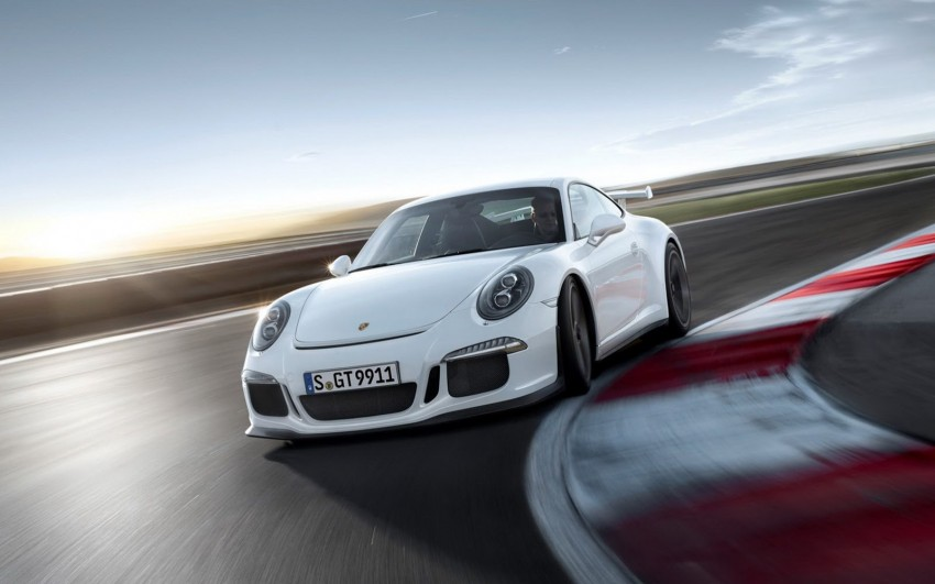 Fifth-generation Porsche 911 GT3 unveiled in Geneva; 475 hp and active rear-wheel steering but PDK only Image #159097