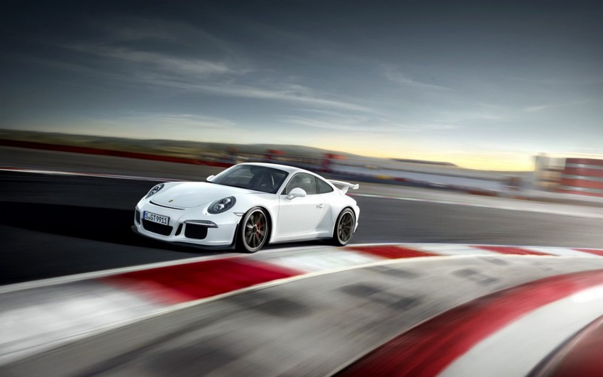 Fifth-generation Porsche 911 GT3 unveiled in Geneva; 475 hp and active rear-wheel steering but PDK only Image #159099