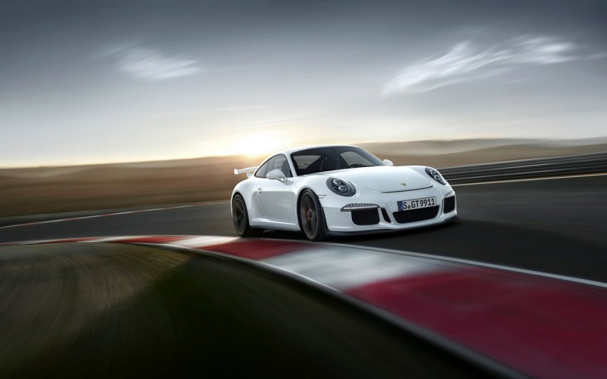 Fifth-generation Porsche 911 GT3 unveiled in Geneva; 475 hp and active rear-wheel steering but PDK only Image #159101