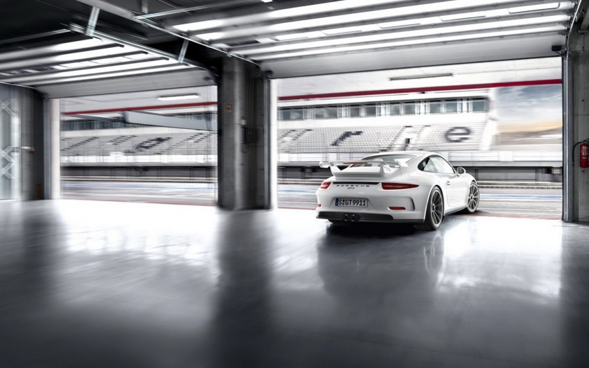 Fifth-generation Porsche 911 GT3 unveiled in Geneva; 475 hp and active rear-wheel steering but PDK only Image #159104