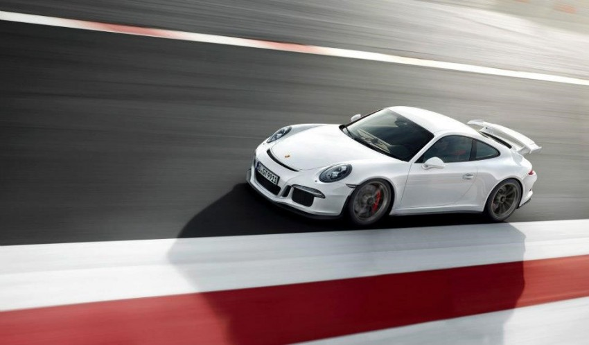 Fifth-generation Porsche 911 GT3 unveiled in Geneva; 475 hp and active rear-wheel steering but PDK only Image #159108