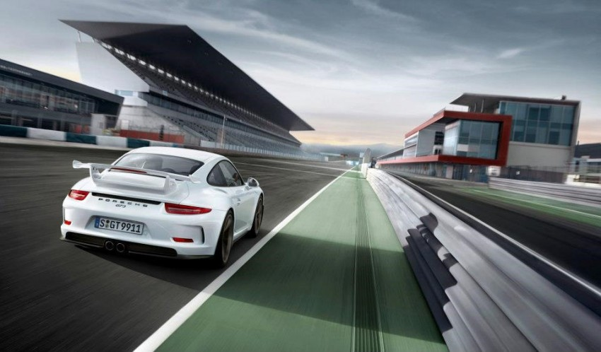 Fifth-generation Porsche 911 GT3 unveiled in Geneva; 475 hp and active rear-wheel steering but PDK only Image #159109
