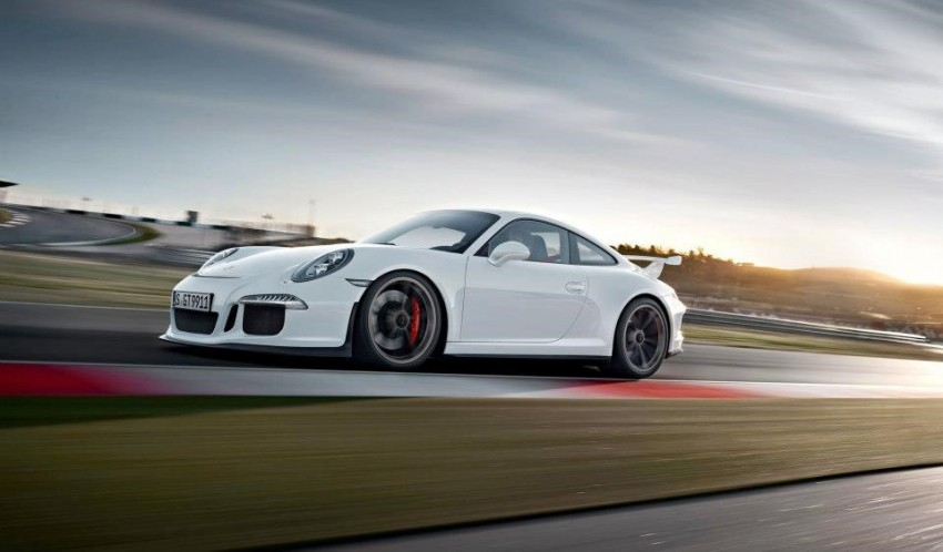 Fifth-generation Porsche 911 GT3 unveiled in Geneva; 475 hp and active rear-wheel steering but PDK only Image #159110