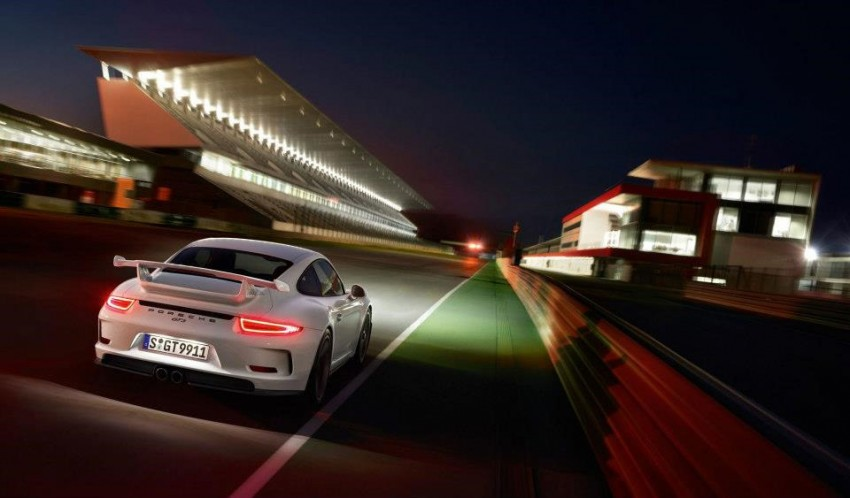 Fifth-generation Porsche 911 GT3 unveiled in Geneva; 475 hp and active rear-wheel steering but PDK only Image #159112
