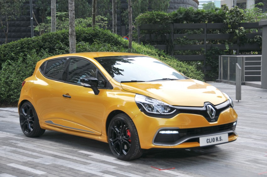 Renault Clio RS 200 EDC makes its Asian debut in KL, presented by the Williams Formula One racing drivers Image #162834