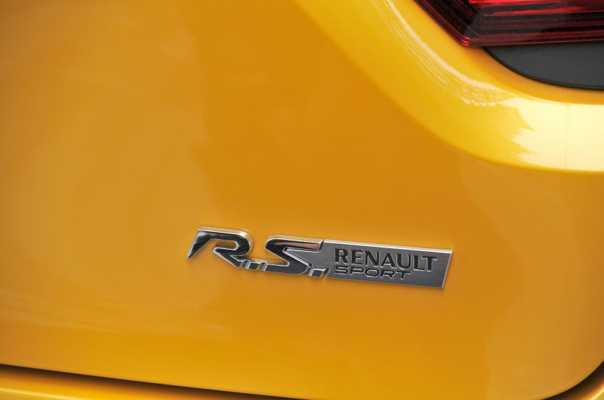 Renault Clio RS 200 EDC makes its Asian debut in KL, presented by the Williams Formula One racing drivers Image #162852