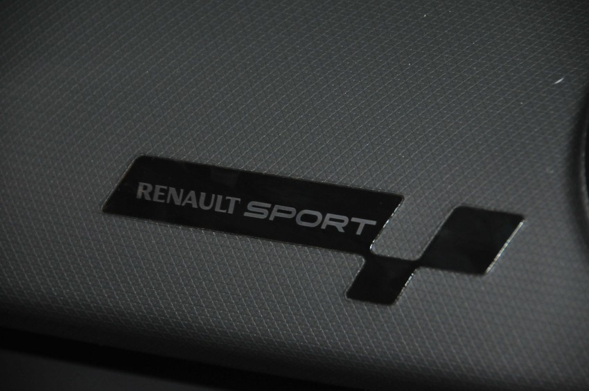 Renault Clio RS 200 EDC makes its Asian debut in KL, presented by the Williams Formula One racing drivers Image #162878
