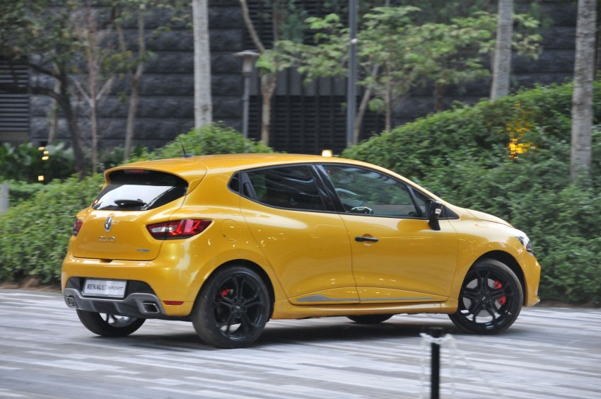 Renault Clio RS 200 EDC makes its Asian debut in KL, presented by the Williams Formula One racing drivers Image #162884