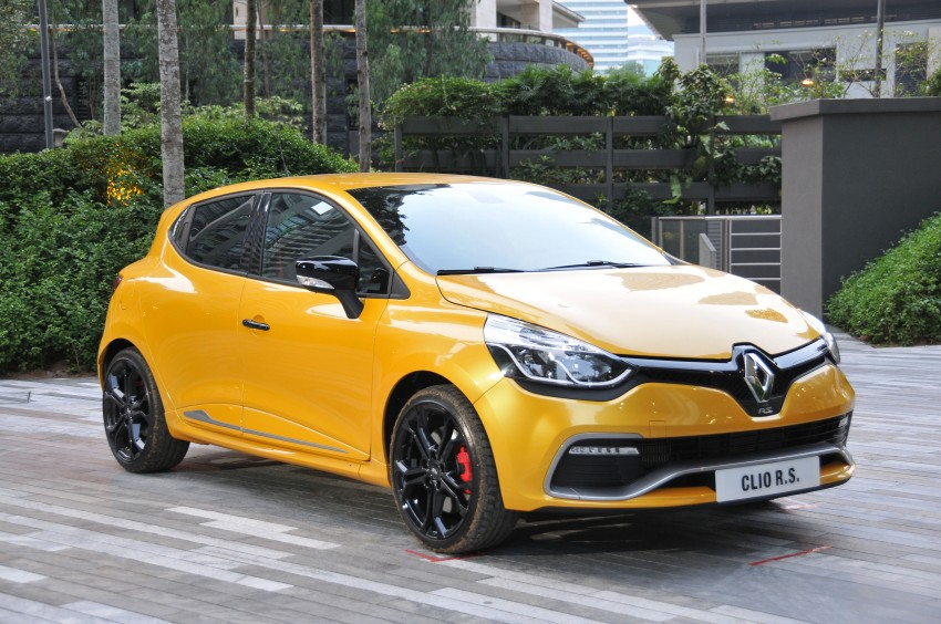 Renault Clio RS 200 EDC makes its Asian debut in KL, presented by the Williams Formula One racing drivers Image #162886
