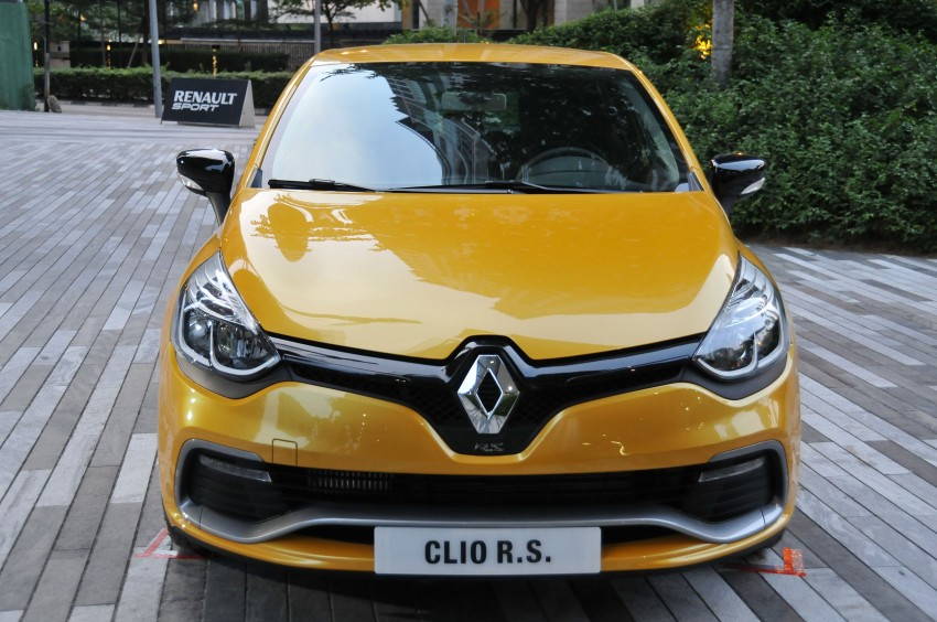 Renault Clio RS 200 EDC makes its Asian debut in KL, presented by the Williams Formula One racing drivers Image #162889