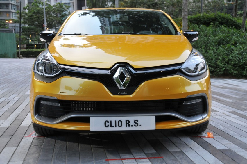 Renault Clio RS 200 EDC makes its Asian debut in KL, presented by the Williams Formula One racing drivers Image #162890