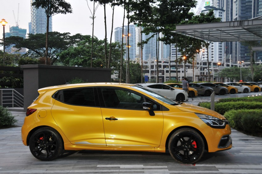 Renault Clio RS 200 EDC makes its Asian debut in KL, presented by the Williams Formula One racing drivers Image #162892