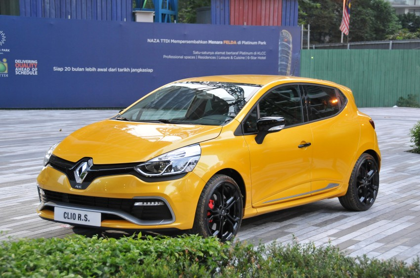 Renault Clio RS 200 EDC makes its Asian debut in KL, presented by the Williams Formula One racing drivers Image #162897