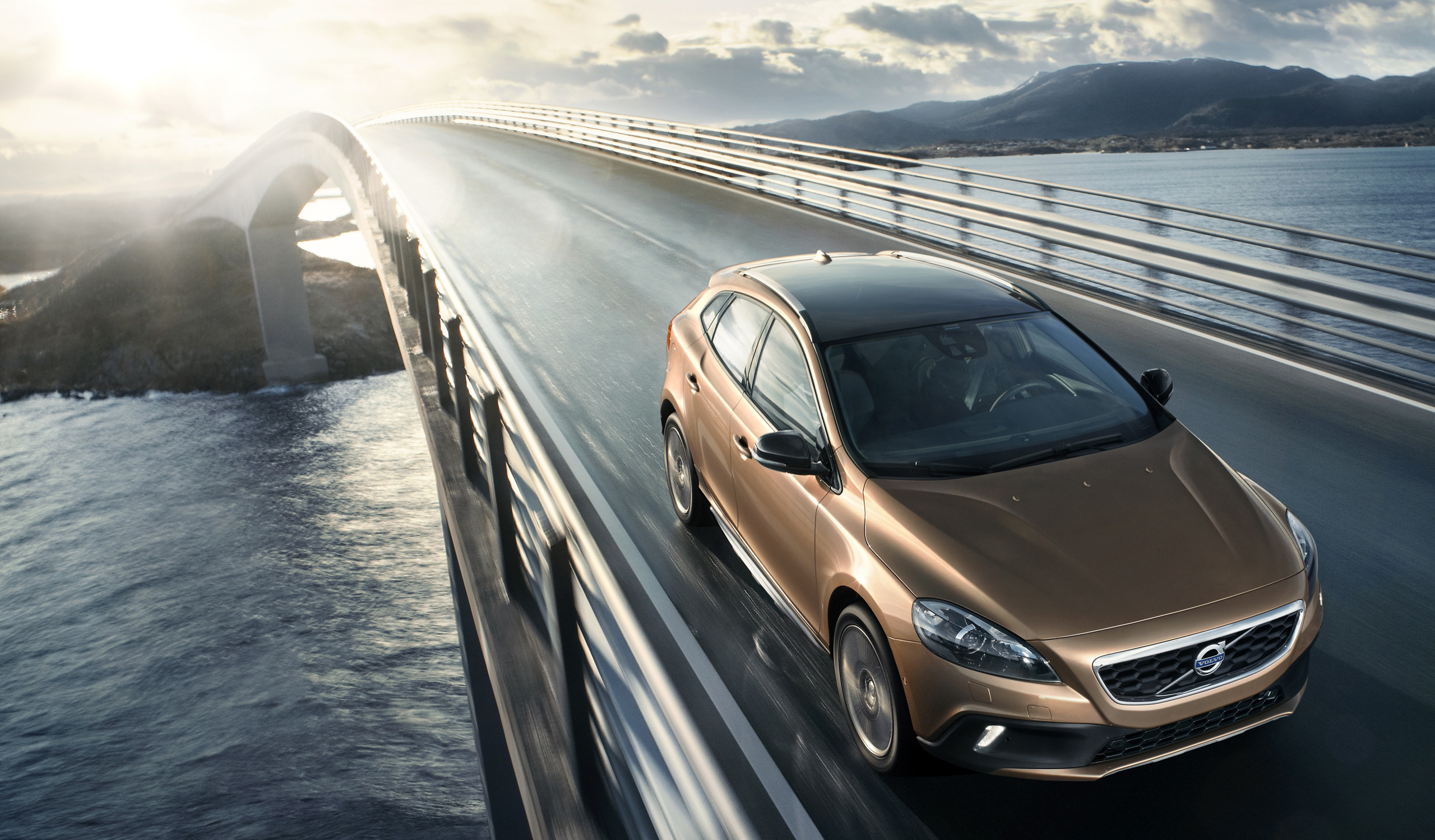 Volvo V40 And Cross Country Given Minor Updates 850 Volvomain 2