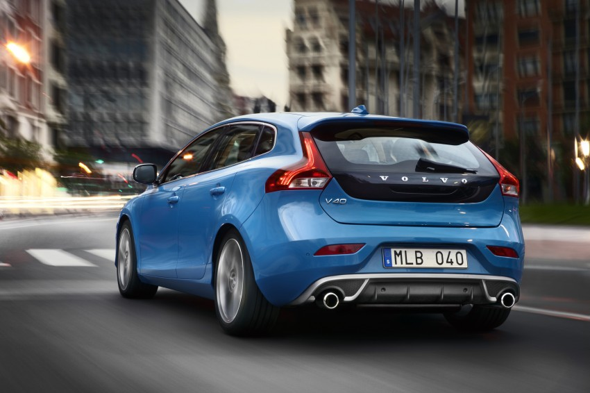 Volvo V40 and V40 Cross Country given minor updates Image #161902