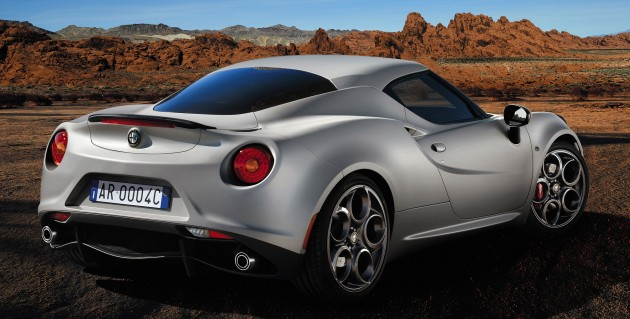 Alfa romeo 4c carrara white