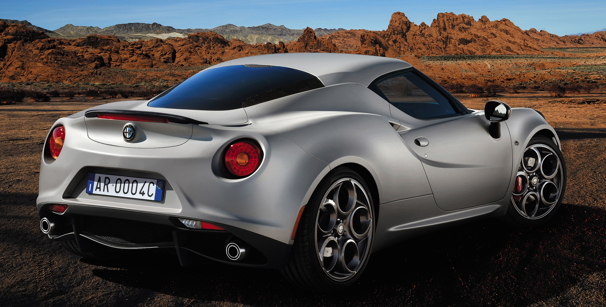 alfa romeo 4c launch edition limited to 1 000 units image. Black Bedroom Furniture Sets. Home Design Ideas