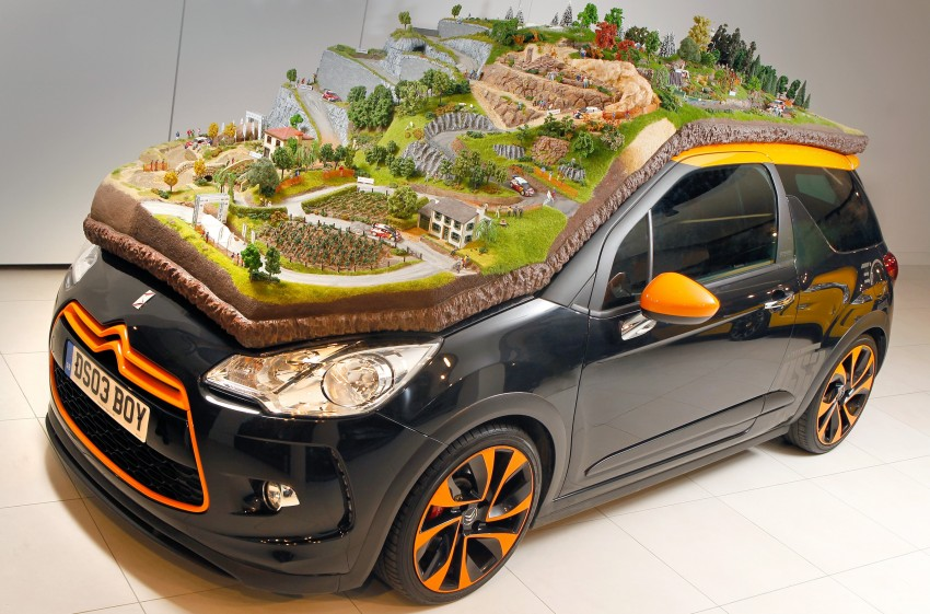Citroën hails Loeb and Elena record with a diorama Image #158629