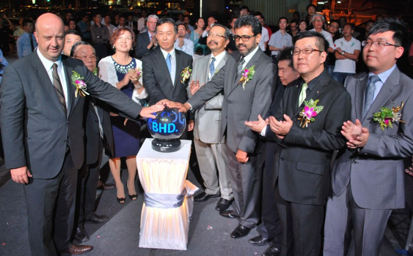 Nasim opens Peugeot Blue Box Butterworth 3S Centre, officially unveils limited edition 308 Griffe Image #159282