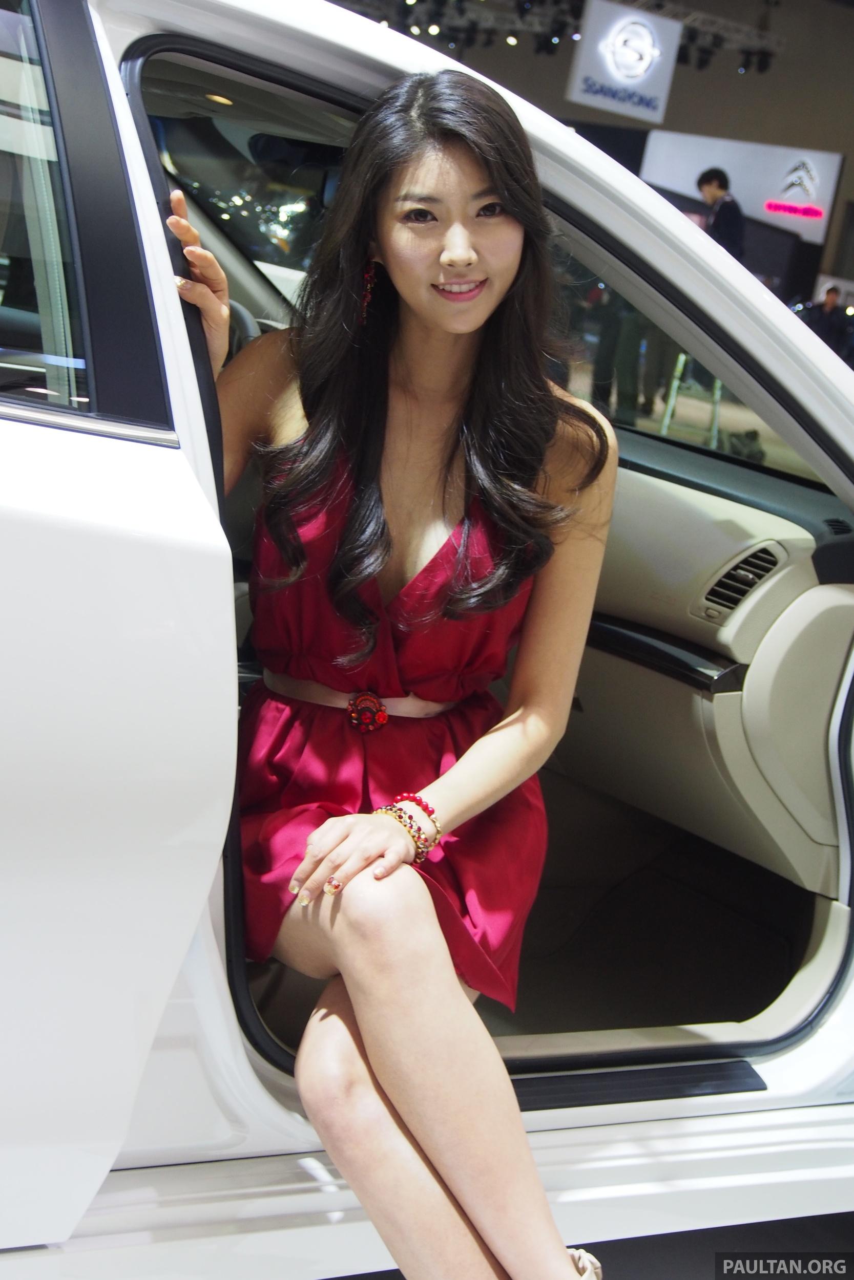 Seoul 2013 Gangnam Girls Say Annyeong Haseyo Image 165312