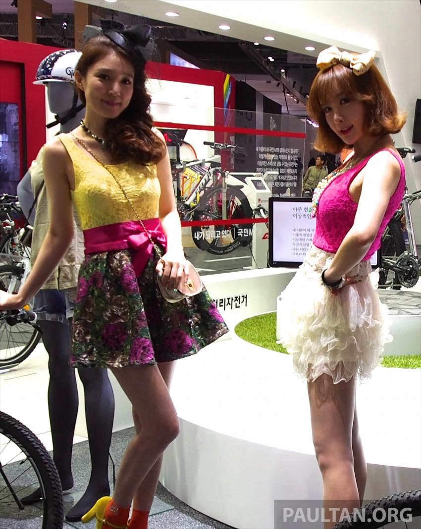 Seoul 2013 – Gangnam Girls say annyeong haseyo! Image #165361