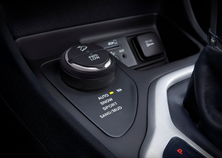 2014 Jeep Cherokee – 9-speed auto, face from Mars Image #165488