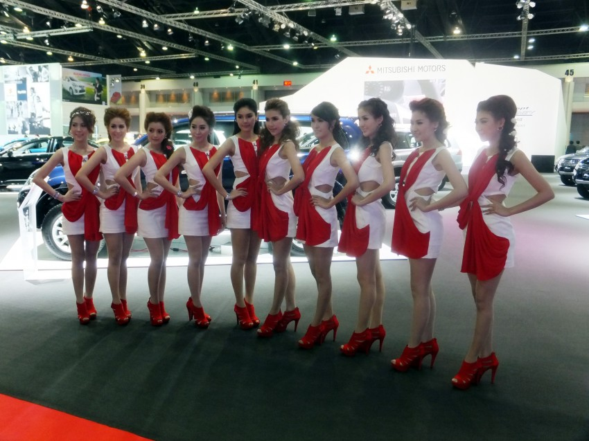 Bangkok 2013: the show girls from the Land of Smiles Image #165761