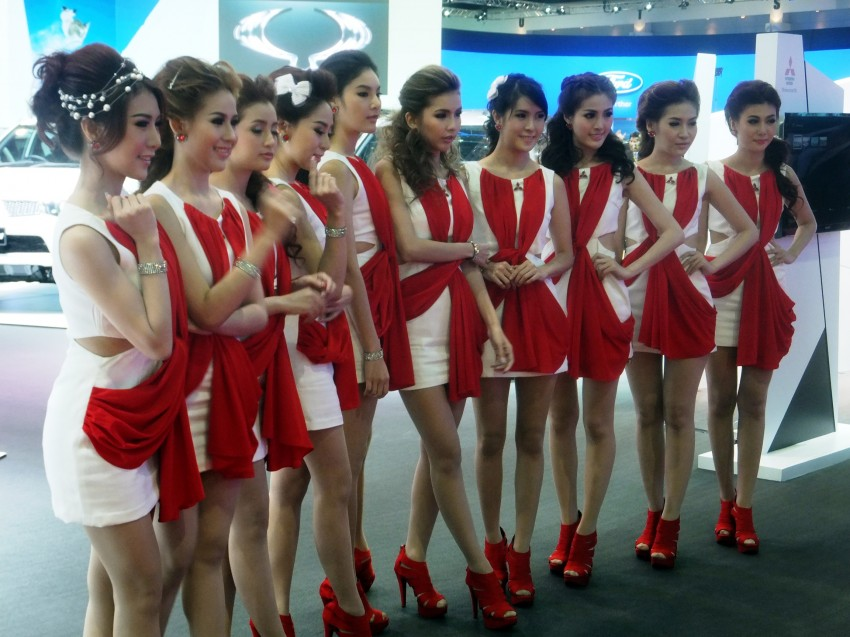 Bangkok 2013: the show girls from the Land of Smiles Image #165762