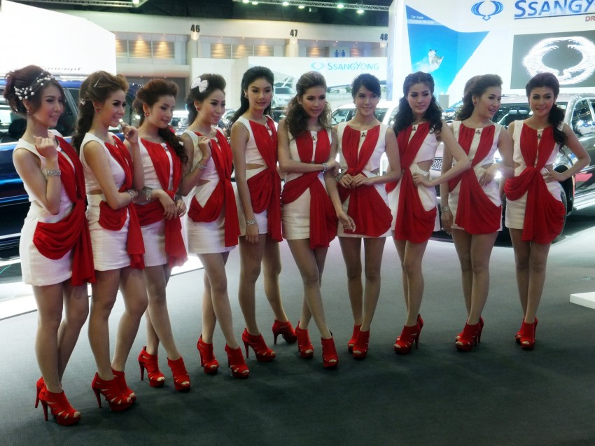 Bangkok 2013: the show girls from the Land of Smiles Image #165763