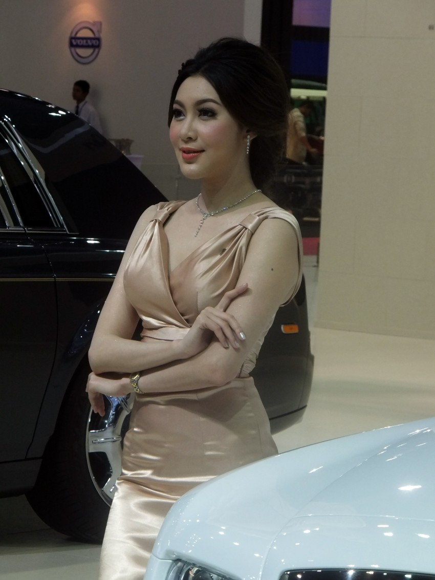 Bangkok 2013: the show girls from the Land of Smiles Image #165765