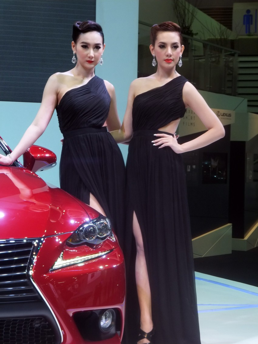 Bangkok 2013: the show girls from the Land of Smiles Image #165770