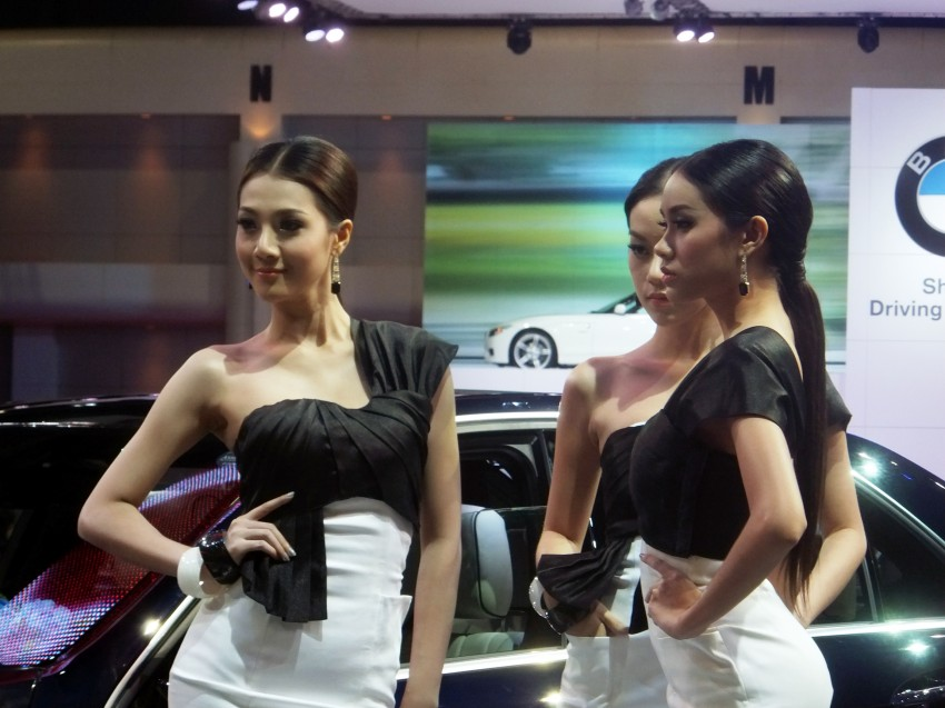 Bangkok 2013: the show girls from the Land of Smiles Image #165773